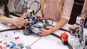 """Résultat de recherche d'images pour """"atelier construction de robot"""""""