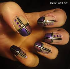 Gelic' nail art: Purple nuance duo cross funky french with rhinestones