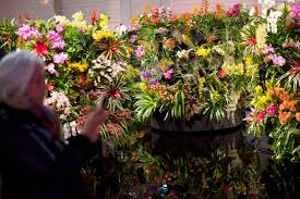 started in 1829 by the pennsylvania horticultural society the philadelphia flower show is the nation s largest and longest running horticultural event