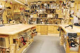 garage workshop woodworking. garage shop layout from finewoodworking.com   planos taller carpinterÍa pinterest layout, and workshop woodworking t