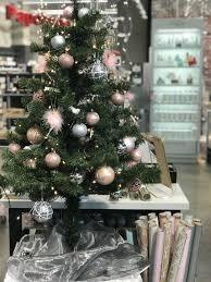 Wunderschöner Christbaum In Silber Weiß Und Pastell Rosa