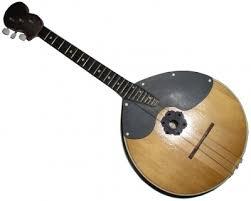 Домра музыкальный инструмент Рефераты ru Отношение духовенства к русским инструментам было двойственным и во многом определялось их социальной ролью Народные инструменты блюстителями православия