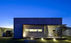 View in gallery modern-box-house-with-interior-glass-bridges-21.
