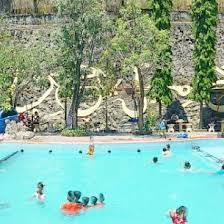 Lokasinya yang jauh dari keramaian menjadikannya semakin nyaman sebagai tempat berlibur. Bukit Awan Water Park Kolam Di Gresik