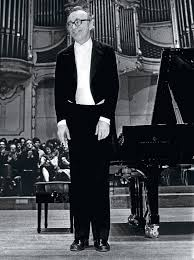 alfred brendel the thinking pianist s man sons brendel attempts to the funny to winnow down whether there is any possibility that music in and of itself can actually make one laugh aloud in the