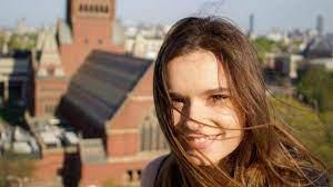 Harvard'da eğitim alan Eşkıya Dünya'ya Hükümdar Olmaz'ın Zeynep'i Ecem Hakim  sosyal medyaya geri döndü! Ece Hakim kimdir