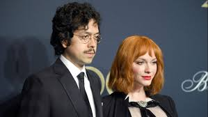 Her hourglass figure has been praised by british equalities minister lynne featherstone. Christina Hendricks