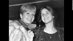 debbie reynolds and carrie fisher. Perfect Reynolds Reynolds With Her Daughter Carrie Fisher In 1972 In Debbie And A