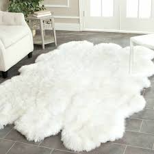 beautiful fluffy white area rug ( photos)  home improvement