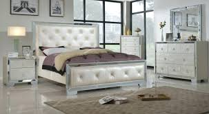 Mirrored Bedroom Furniture Sets Mirror Bedroom Sets Mirrored ...