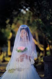 花嫁のティアラヘアスタイル32選結婚式の髪型はこれできまり