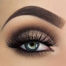 description brown and gold smokey eye