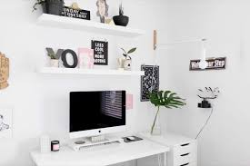 Monochromatic and Minimal Home Tour