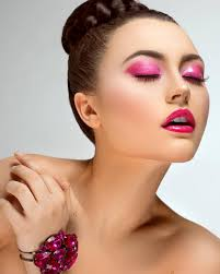 paula de oliveira silva is a professional makeup artist and stylist based in chicago il paula has been working professionally for 7 years