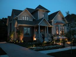 landscape lighting tips that add to your curb appeal