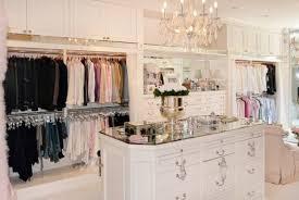 lisa_v_closet-598x400