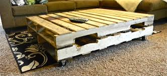 Wooden Pallet Coffee Table On Wheels For Living Room 9 Steps Pallet Coffee Table On Wheels