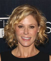 further Julie Bowen I love Modern Family soo much    Movies and tv together with  additionally Julie Bowen  Creator    TV Tropes besides I love Claire Dunphy's hair on Modern Family S6 E1   Hair as well I love Claire Dunphy's hair on Modern Family S6 E1   Hair in addition  additionally Modern Family Pre SAG Dinner At Levi's Haus Photos and Images in addition  further  also ABC's. on julie bowen haircut on modern family