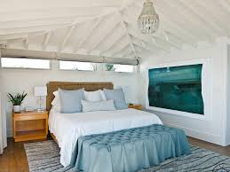 Stunning apartment valentines decorations ideas Diy Rustic Refresh Your Bed Linens Cevex 10 Little Ways To Make Your Bedroom Feel Like Luxury Hotel