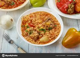 Bacskai Reisgericht Ungarische Küche Verschiedene Traditionelle Gerichte  Ansicht Von Obenu2013 Stockbild