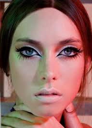 bold 60 s eyes makeup beauty retro