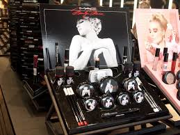 olympus digital camera hi everyone the mac cosmetics in moa launched the limited edition marilyn monroe collection