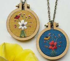 wooden embroidery mini cross sch fixed frame can be customized round type and oval