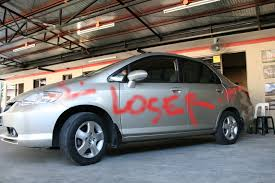 how much paint to spray a car spray paint a car diy aerosol can color match fail touch up how to spray paint a car at home yourself aerosol you how