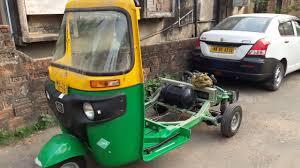 All <b>New</b> Bajaj RE Compact LPG Auto Rickshaw Complete Review ...