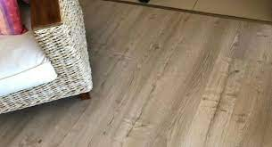 how to protect vinyl floor from scratches