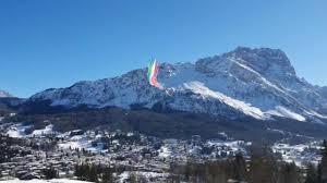 Le frecce tricolori nel cielo sopra Cortina - Corriere delle alpi