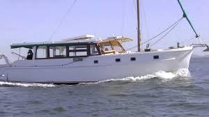 Classic Moreton Bay Cruiser Caroley and ...