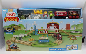 Fisher Price Wooden Railroad Maron Lights Sounds Signal Shed Fisher Price Ggb84 Tomas And Friends Wood Family Farm Set