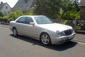 Mercedes-Benz W210 – Wikipedia