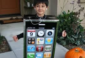 iphone costume. how to: make a diy cardboard box iphone costume for halloween | inhabitots iphone