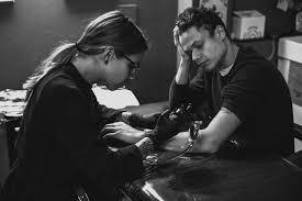 Beccati Sto Schizzo I Tattoo Shop Di Bologna Zero