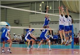 Высота сетки в волейболе сетка в женском и мужском волейболе  Волейбол стал одним из самых популярных видов спорта благодаря своей зрелищности эмоциональности простым правилам игры и минимальным требованиям к