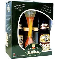 kwak gift pack with gl and stand 4 x 330 ml