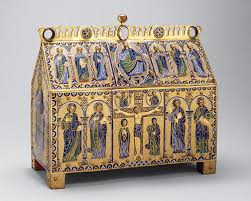 relics and reliquaries in medieval christianity essay chasse the crucifixion and christ in majesty