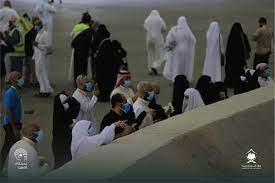 حجاج بيت الله الحرام يرمون الجمرات في أول أيام التشريق : صحافة الجديد اخبار  عربية