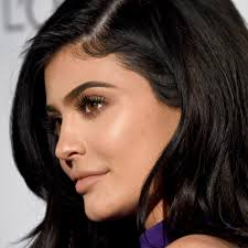 Picture Of Bob Hair Style kylie jenner just cut her hair into a chingrazing bob for real 1376 by stevesalt.us
