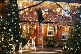 How To Install Outdoor Christmas Lights On House How To Hang Outdoor Christmas Lights Outdoor Christmas