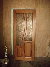usi din lemn natural