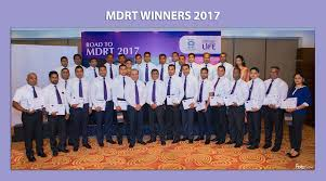 2017 mdrt winners of softlogic life with managing director iftikar ahamed and chief operating officer chula