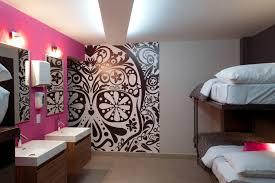 Skull Wallpaper For Bedroom Hostel La Buena Vida By Arco Arquitectura Contemporanea Karmatrendz