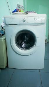 Bán máy giặt Electrolux 7kg EWF85761 3tr - chodocu.com