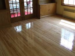 can wood laminate floors be refinished