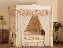 Contemporary White Canopy Bed Curtain Idea Mied With Wooden Chest Also  Decorative Brown Table Lamp .