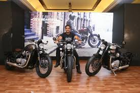 triumph bonneville bobber launched in india