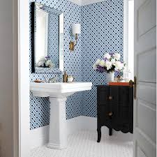 Bathroom wallpaper: 4 looks we love